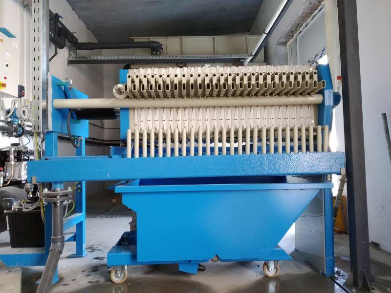 Filtru presa K470/25, electro hidraulic, cu container namol